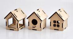 Small wooden houses | Cartonus
