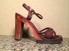 Wood & Leather Adorable Heels Size 5