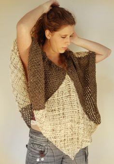 Poncho de lana diseño mariposa nocturna por Ullvuna en Etsy