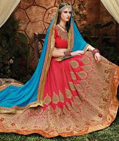 Look beautiful in deep red Pakistani bridal gown MAALA by Tena Durrani this feastive season. This red bridal gown is perfect for barat function due to the reason that red is yet ideal color for barat occasion. Indian Bridal Outfits, Pakistani Bridal Dresses, Pakistani Dress Design, Pakistani Outfits, Bridal Lehenga, Indian Dresses, Bridal Gowns, Lehenga Choli, Bridal Lenghas