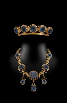 Sold by Hancock's a revival intaglio tiara and necklace by Ernesto Pierret of Paris Cameo Jewelry, Royal Jewelry, Luxury Jewelry, Diamond Jewelry, Fine Jewelry, Jewelry Design, Designer Jewellery, Jewellery Uk, Moonstone Jewelry