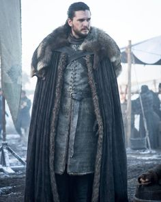 Jon Snow in Got Season 8 episode 1 Game Of Thrones Poster, Game Of Thrones Dragons, Got Game Of Thrones, Eddard Stark, Sansa Stark, Jon Schnee, Game Of Trone, Queen Of Dragons, Game Of Throne Actors