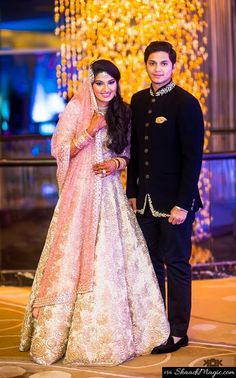 After the ring ceremony, the would-be-bride and groom along with other guests enjoyed themselves with some romantic ghazals, which was remixed by Mumbai-based ghazal singer Pooja Gaitonde.