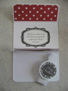 Tuto pochette carte cadeau de Vinou : ouverte  http://vinoucreations.canalblog.com/archives/2015/10/24/32821740.html