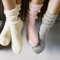 Cashmere fall down socks