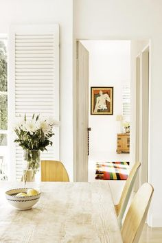 Dec-Greaves-beach-home-dining-room-white-blond-wood inside this home Dining Room Inspiration, Interior Inspiration, Interior Exterior, Interior Design, Estilo Tropical, Australian Homes, Room Pictures, Beautiful Interiors, Home Fashion