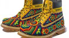 Arte Huichol trasciende fronteras - AFmedios .- Agencia de ... Seed Bead Art, Beaded Shoes, Pixel Design, Mexico Art, Native Shoes, Mexican Designs, Mexican Folk Art, Storm Troopers, Sneaker Boots