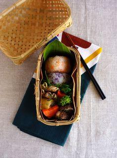 R journal: おにぎり弁当・Japanese riceballs bento