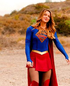 Discover & share this Supergirl GIF with everyone you know. GIPHY is how you search, share, discover, and create GIFs. Supergirl Kara, Supergirl Series, Melissa Supergirl, Kara Danvers Supergirl, Supergirl And Flash, Supergirl 2015, Melissa Marie Benoist, Dc Batgirl, Batwoman