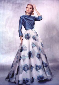 vestidos de grace kelly en el museo de londres - Buscar con Google