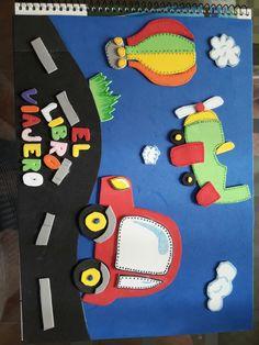 Portada cuaderno hecho con goma eva Felt Crafts, Paper Crafts, Origami, Kindergarten Portfolio, Decorate Notebook, Art N Craft, Carpet Runner, Classroom Decor, Kids Rugs