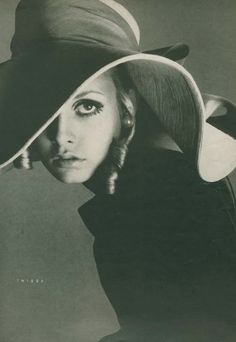 Twiggy, Vogue by Richard Avedon, August, 1967