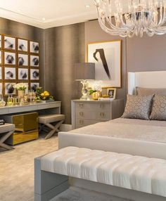 Are you starting a new home decor project or simply want to redecorate for the new season? Let yourself be inspired by these 20 luxurious bedroom design ideas you will want to copy! Home Decor Kitchen, Home Decor Bedroom, Dream Home Design, Suites, Cool Furniture, Furniture Makers, Home And Living, Decoration, Villa