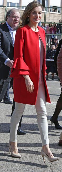 RoyalDish - 30/3: Queen Letizia presides Princess of Girona Foundation act - page 1