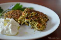 Griechische Zucchinipuffer Kolokithokeftedes auf www.katharinakocht.com