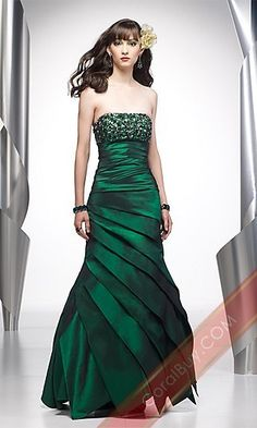 Dream Prom Dress in Forest Green....of course I find it after going to prom and graduate but whatever