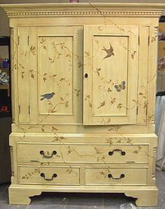 I will show you how to decoupage a lovely tea box from. I used decoupage glue and paper napkins. Painting Old Furniture, Hand Painted Furniture, Funky Furniture, Repurposed Furniture, Furniture Projects, Furniture Making, Furniture Makeover, Furniture Design, Bedroom Furniture