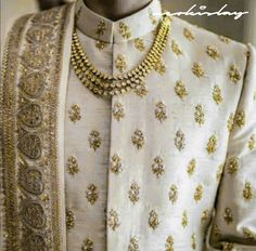 Indian Wedding Clothes For Men, Royal Indian Wedding, Wedding Outfits For Groom, Groom Wedding Dress, Indian Wedding Couple, Indian Wedding Planning, Indian Wedding Outfits, Bridal Outfits, Wedding Suits