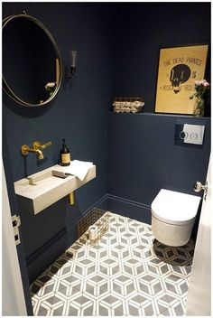 azulejos y paredes baños - Badezimmer Fliesen - Bathroom Decor Small Downstairs Toilet, Small Toilet Room, Downstairs Cloakroom, Guest Toilet, Bathroom Shelves, Small Toilet Decor, Small Toilet Design, Guest Bath, Bathroom Organization