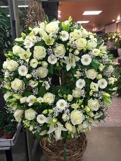 Most current Absolutely Free natural Funeral Flowers Suggestions No matter if you happen to be coordinating or even participating in, memorials are invariably a new somber and. Casket Flowers, Grave Flowers, Cemetery Flowers, Funeral Flowers, Wedding Flowers, Remembrance Flowers, Memorial Flowers, Funeral Floral Arrangements, Modern Flower Arrangements