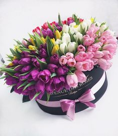 bouquet of tulips of different colors Beautiful Rose Flowers, Beautiful Flower Arrangements, Amazing Flowers, Floral Arrangements, Beautiful Flowers, Flower Box Gift, Flower Boxes, Happy Birthday Flower, Tulips Flowers
