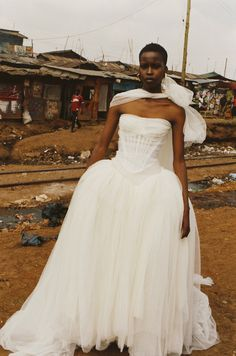 "bienenkiste: ""Elsie Njeri for Vivienne Westwood F/W 2011 "" Wedding Attire, Wedding Gowns, Fox Wedding, Wedding Ideas, Afro, African American Brides, Pallas Couture, Juergen Teller, Black Bride"