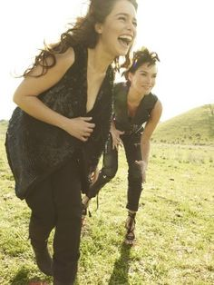 Emilia Clarke and Lena Headey