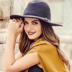 Maite Perroni New Hairstyle 2017, Divas, Female Movie Stars, Mexican Actress, Cimorelli, Lany, Kate Beckinsale, Girl Crushes, Beauty And The Beast