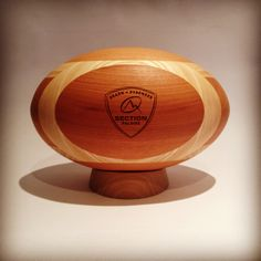 Section Paloise Rugby Béarn Ballon de rugby en bois