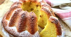 Álom puha tészta, mégis szaftos, túrós. Nem szárad ki, nem túl édes, forrón, melegen, langyosan vagy hidegen, mindenhogy mennyei, bekeverni pedig az öt perccel még túlzok is. Ring Cake, Vaj, Scones, Cukor, Muffin, Banana Bread, Cake Recipes, Breakfast, Pound Cakes