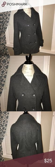 ▪️Grey peacoat▪️ This grey peacoat is in great condition and has only been worn a couple of times! Super thick and warm. Jackets & Coats Pea Coats