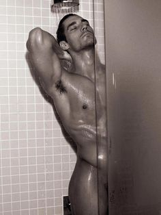 [David Gandy In The Shower] Ohhhh... to be re-incarnated as his bar of soap... *sigh*