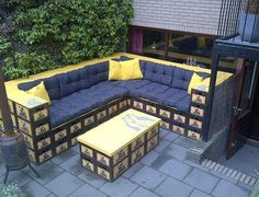 meine bank hei t astra bierkisten hocker diy made by. Black Bedroom Furniture Sets. Home Design Ideas