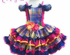 Exclusive dress for the Junina Girls Party. Dance Outfits, Kids Outfits, Toddler Fashion, Girl Fashion, Female Clown, Fresh Flower Cake, Fresh Flowers, Lolita Dress, Baby Sewing