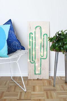 DIY Faux Neon Cactus Light Using String Lights