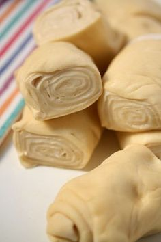 Romanian Desserts, Romanian Food, Cooking Bread, Cooking Recipes, Albanian Recipes, Sweet Dough, Cake Recipes, Dessert Recipes, Just Bake