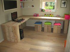 Google Afbeeldingen resultaat voor http://www.woodgoed.com/wp-content/uploads/2009/09/steigerhouten-bureau-daaibooi.png