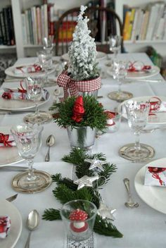 6 Simple Christmas Table Ideas (Perfect for Last Minute | Pinterest ...