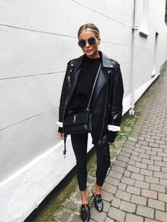 All black outfit Black biker jacket Black Gucci loafers All Black Outfits For Women, Black And White Outfit, Black Women Fashion, Look Fashion, Trendy Fashion, Autumn Fashion, Fashion Mode, Trendy Style, Womens Fashion