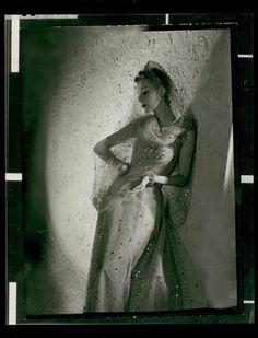 """""""Helen Bennett, Chanel, 1938"""" © Horst P. Horst / Staley-Wise Gallery New York"""