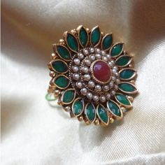 green marquise flower polki ring Gold Rings Jewelry, Ruby Jewelry, Gold Jewellery Design, India Jewelry, Wedding Jewellery Inspiration, Indian Wedding Jewelry, Bridal Jewelry, Gold Finger Rings, Ring Designs