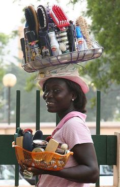 Shoesmile in Ghana.  Streetvendor in the streets of Accra, Ghana, West Africa