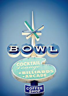 Retrophile — atomsandsteel-blog:   Googie bowling alley...