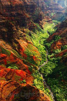 Na Pali Coast - South of Kauai, Hawaii - aa mini Grand Canion. Kauai Hawaii, Hawaii Travel, Hawaii Usa, Hawaii Life, Oahu, Places To Travel, Places To See, Travel Destinations, Wonderful Places
