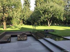 Idee für moderne Gartenterrasse mit individuellem Loungebereich