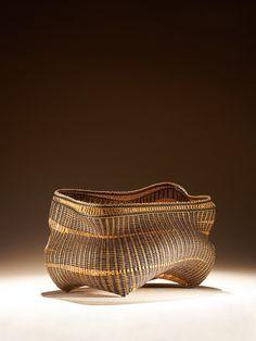 Polly Adams Sutton, basket . . . More Cane Baskets, Pine Needle Baskets, Woven Baskets, Japanese Bamboo, Pine Needles, Basket Weaving, Decorative Bowls, Room Ideas, Scene