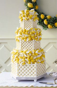 When life gives you lemons.. make an absolutely fabulous tiered lattice cake