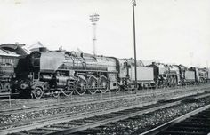 La 1-241 A 44 vue à Paris-La Villette en 1959 Holland, Thing 1, Old Trains, Diesel Punk, Steam Engine, Steam Locomotive, Planes, Around The Worlds, Europe