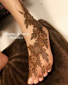 Leg Henna Designs, Modern Henna Designs, Henna Tattoo Designs Simple, Latest Henna Designs, Arabic Henna Designs, Mehndi Designs For Girls, Bridal Henna Designs, Mehndi Designs For Fingers, Mehndi Art Designs
