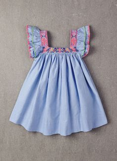 Nellystella Chloe Dress in Chambray - 2016 New Style! – The Girls @ Los Altos Little Girl Fashion, Toddler Fashion, Kids Fashion, Frocks For Girls, Kids Frocks, Little Girl Dresses, Girls Dresses, Chloe Dress, Kid Styles